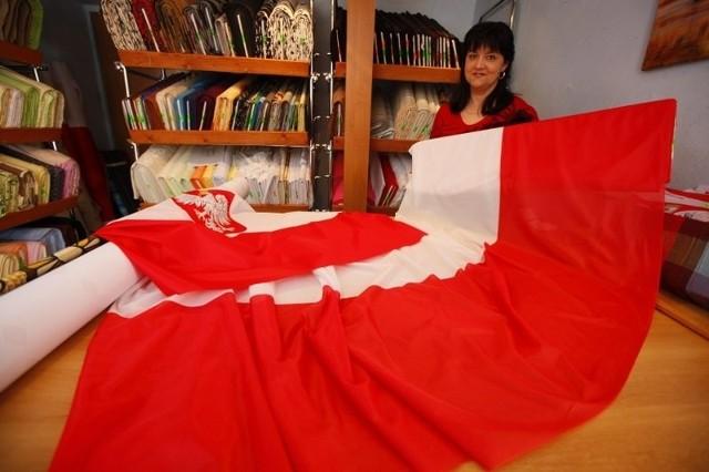 Hanna Hinz przyznaje, że przed świętami państwowymi zainteresowanie flagami jest większe.