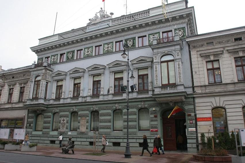 Hanna Zdanowska tłumaczyła radnym, że projekt restrukturyzacji urzędu nie jest gotowy. W piątek odbyła się nadzwyczajna sesja Rady Miejskiej w tej sprawie.