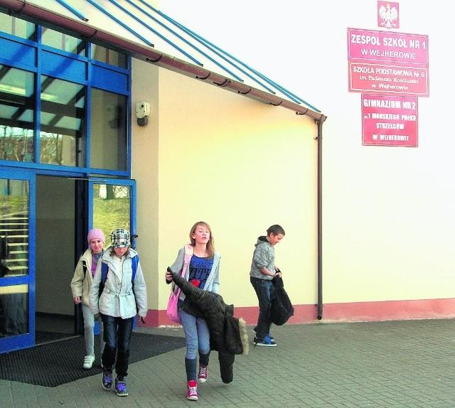Powtórka czeka m.in.  13 uczniów ZS nr 1 w Wejherowie