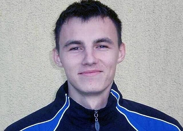 Arkadiusz Trzciński zdaniem Jerzego Kaziowa uwielbia nieszablonowe zagrania i szybciej biega z piłką niż bez niej...