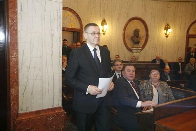 Wybory marszałka śląskiego w Katowicach. Ustępuje Adam Matusiewicz. Nowym marszałkiem Mirosław Sekuła