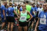 34. Nocny Bieg Bachusa 2019 i 5. Winobraniowy marsz Nordic Walking w Zielonej Górze. Ponad 300 zawodników na starcie