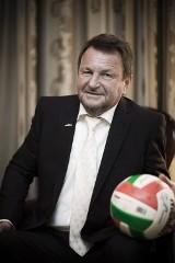 Próbowali przesunąć właściciela Polonii Warszawa do klubu Kokosa