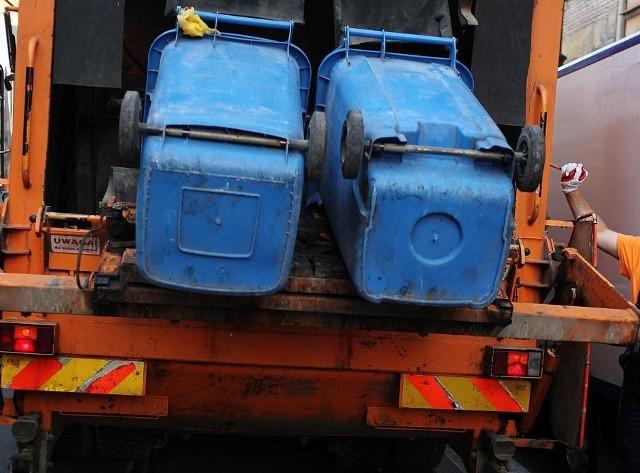 """Związek Międzygminny """"Gospodarka Odpadami Aglomeracji Poznańskiej"""" przypomina o konieczności rozwiązania przed 1 lipca dotychczasowych umów z firmami odbierającymi śmieci. Dzięki temu unikniemy podwójnej opłaty za odpady."""