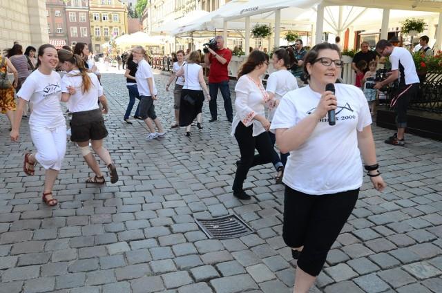 Równo o godz. 15 w kilkunastu miastach Polski młodzież z Ruchu Lednickiego zatańczyła dla papieża bł. Jana Pawła II