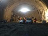 Budowa ekspresowej zakopianki. Drogowcy przebili druga nitkę tunelu