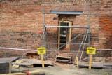 Dziura w zabytkowych murach obronnych! To będzie przejście do nowego amfiteatru [ZDJĘCIA]