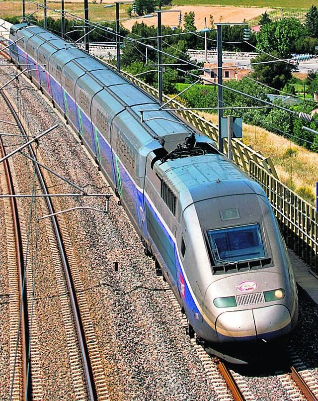 Na opublikowanej przez Komisję Europejską mapie sieci kolejowej znalazła się linia dużych prędkości Warszawa - Łódź, Poznań/Wrocław.