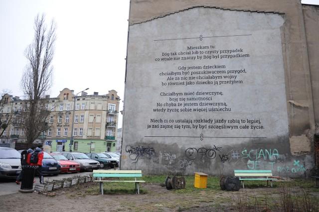 Poetyckie Murale Na Poznańskich Kamienicach Zdjęcia