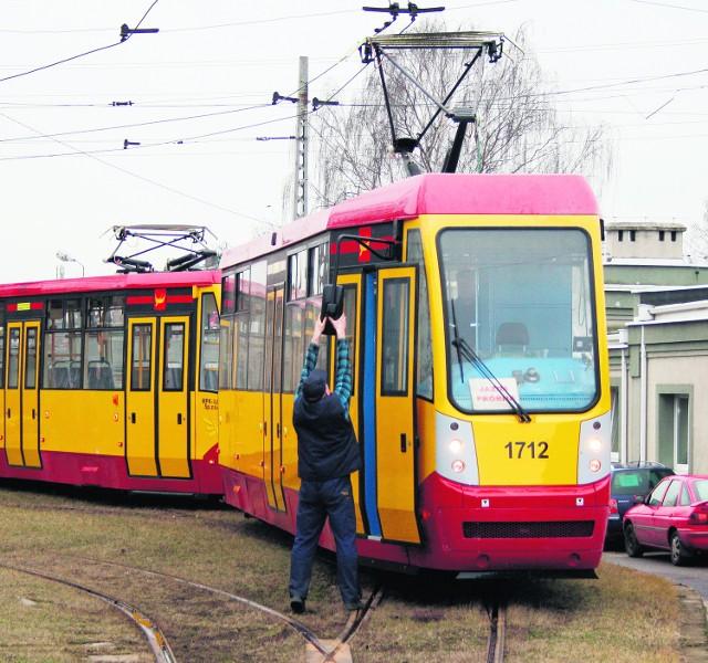Trzydrzwiowy tramwaj przypadł do gustu setkom łodzian