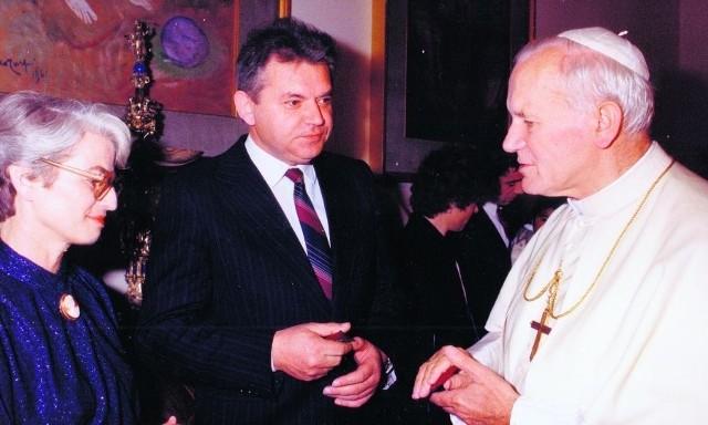 Państwo Zofia i Marian Rubinowie. Dla nich również osobiste spotkanie z Janem Pawłem II było niezmiernie ważnym wydarzeniem, które dzisiaj, w czasie beatyfikacji papieża, nabiera szczególnego wymiaru. Rozmawiali z przyszłym świętym