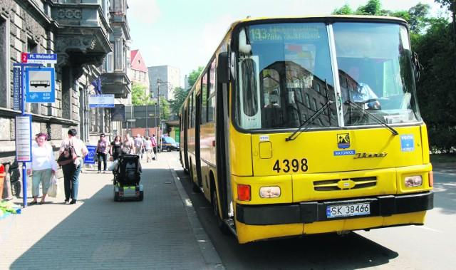 Na trasę linii 193 czasami są puszczane ikarusy zamiast autobusów niskopodłogowych