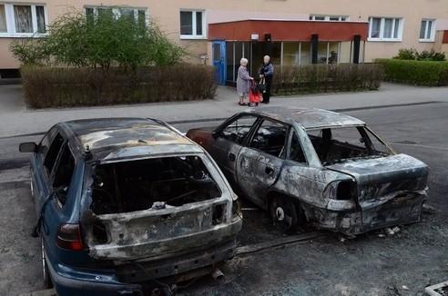 Spalone samochody na os. Kopernika