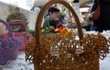 Wielkanocne kiermasze w Lublinie. Zakupy z pisanką i mazurkiem w tle (ZDJĘCIA)