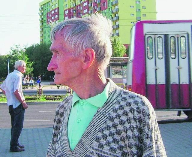 Tadeusz Wlaźlak musi korzystać z komunikacji publicznej