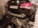 Sosnowiec: Kierowca uderzył w samochody i uciekł. Zgubił rejestracje