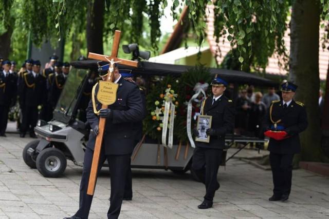 Starszy ogniomistrz Paweł Czerniak spoczął na cmentarzu w Lubsku. Żegnały go tłumy
