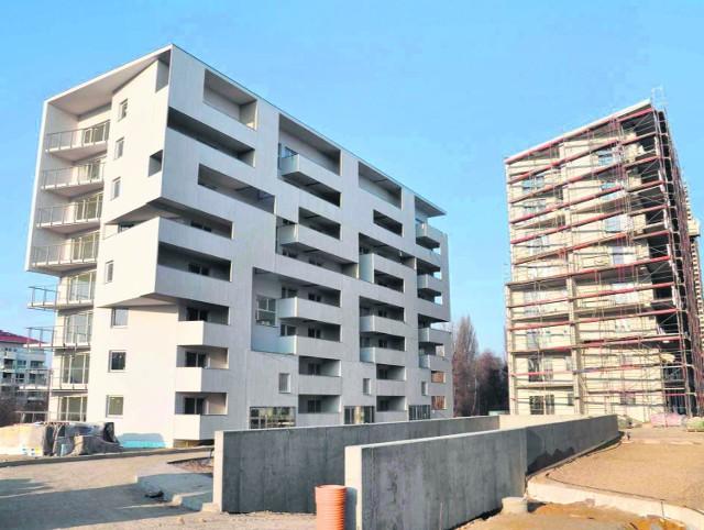 Kompleks  budynków mieszkalnych Malta Nowa przy ulicy  Inflanckiej rośnie mimo mrozów