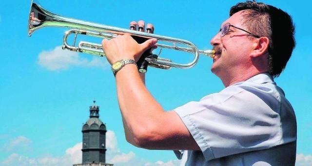 Tadeusz Nestorowicz od kilku lat w niedzielę grał hymn Wrocławia z ratuszowej wieży