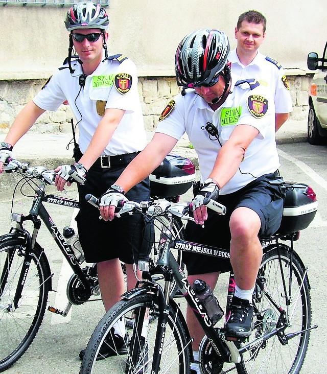 Ubrani w krótkie spodenki na rowerach będą patrolować centrum i obrzeża miasta