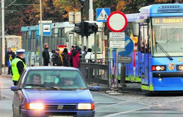 W tym roku na groby dowiezie nas 9 dodatkowych linii tramwajowych i 7 autobusowych