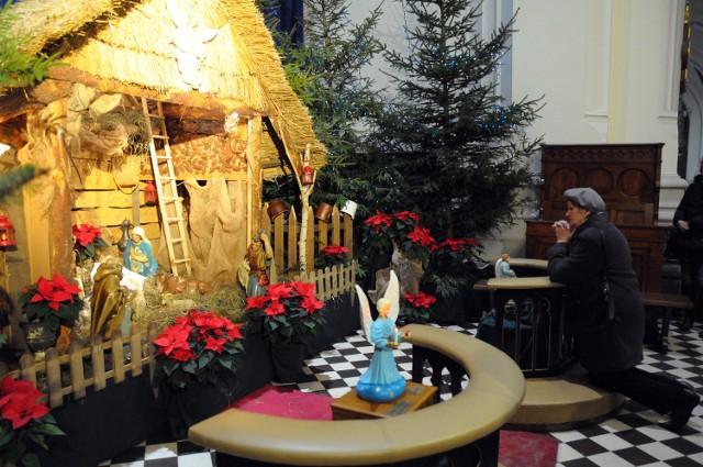 Boże Narodzenie 2012. Szopki w kościołach w Pabianicach.
