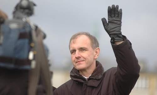 Opozycja jest przekonana, że m.in. minister Bogdan Klich odpowiada za katastrofę smoleńską