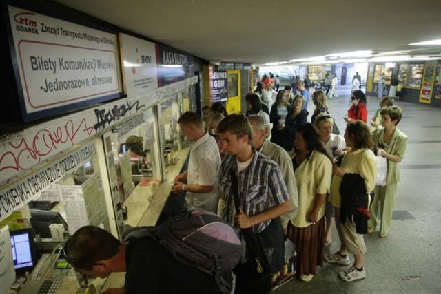 Tańszego biletu do Pruszcza w automacie biletowym SKM nie da się kupić