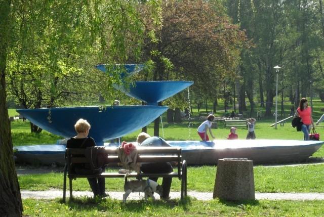 Fontanna w Parku Niedźwiadków w Tychach - stan obecny