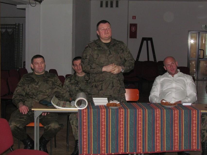 Od lewej Artur Michalkiewicz, Jacek Bocian, Mariusz Jędra i Piotr Małachowski (2. Wojskowy Oddział Gospodarczy).