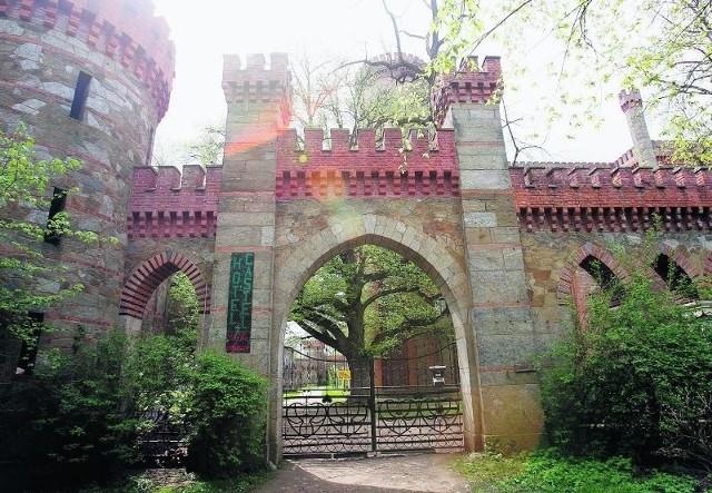 Pałac w Kamieńcu Ząbkowickim przez lata niszczał