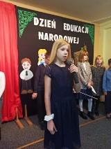 Dzieci z oleśnickiej podstawówki uczciły Dzień Edukacji Narodowej (ZDJĘCIA)