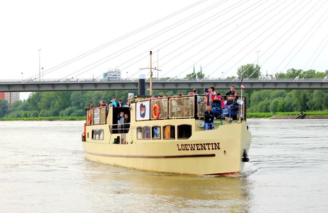Rejsy po Wiśle zabytkowym statkiem Loewentin