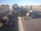 Wypadek w powiecie świeckim. Fiat punto wypadł z drogi i dachował na A1