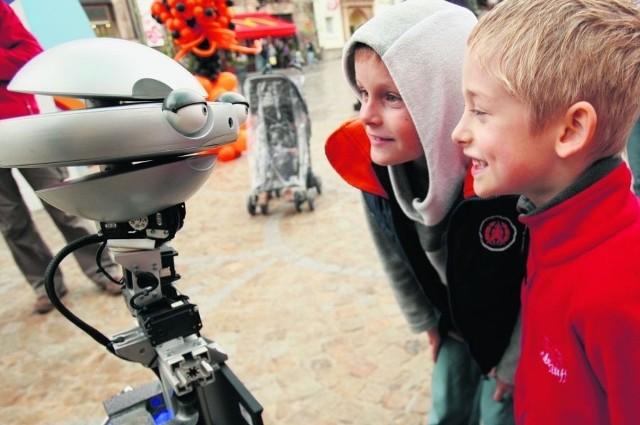 Roboty najwięcej do pogadania miały z odważnymi dziećmi