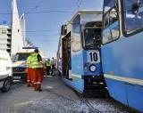 Wrocław: Dwa wypadki tramwajów w centrum. Są ranni (FILM)