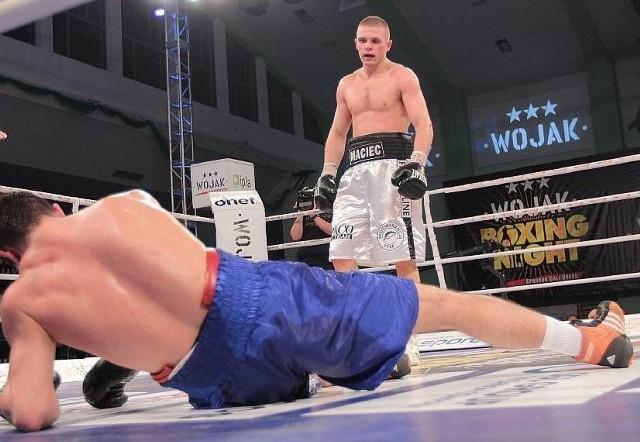 Łukasz Maciec (Paco Team Lublin) podczas swojej ostatniej walki z Chorwatem Alminem Kovacevicem