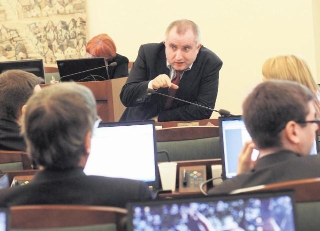 - Dzięki naszym poprawkom, budżet jest lepszy - mówi Marek Sternalski, szef klubu Platformy