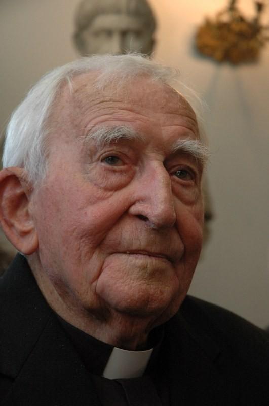 Ojciec Marian Żelazek urodził się w 1918 roku. Pochodził z Palędzia