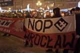 Wrocław: Marsz narodowców z pochodniami w centrum miasta (ZDJĘCIA, FILM)