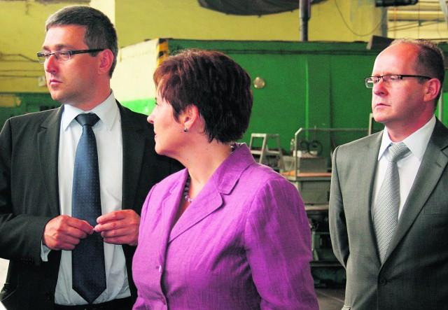Decyzję o pomocy dla zakładu obwieścił w Dębicy prezes ARP (z lewej)