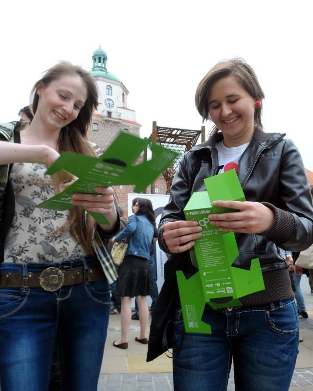O-Twórz Lublin: Takimi składanymi aparatami wykonywane są fotografie