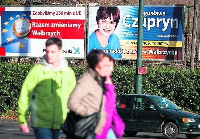 Kandydaci wydają tysiące złotych na billboardy. Inni liczą na to, że pomoże im znane nazwisko