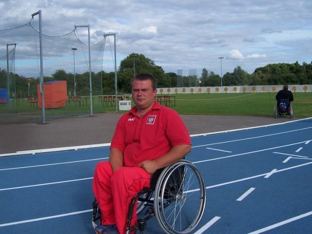 Piotr Sawicki (ISCiR Start Lublin) startował wcześniej w igrzyskach paraolimpijskich w Atenach (2004) i Pekinie (2008)