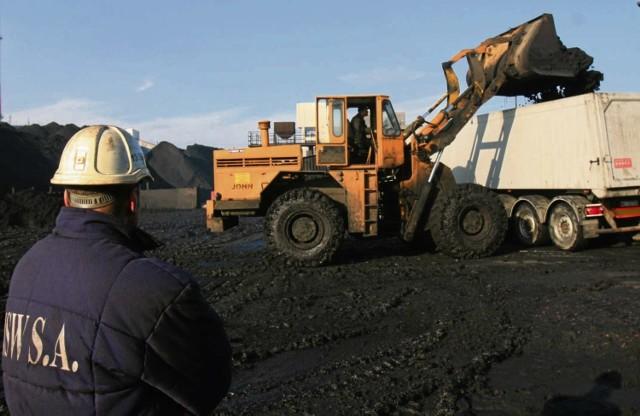 Na kopalnianych zwałach Jastrzębskiej Spółki Węglowej  leży już 1,4 mln ton węgla.