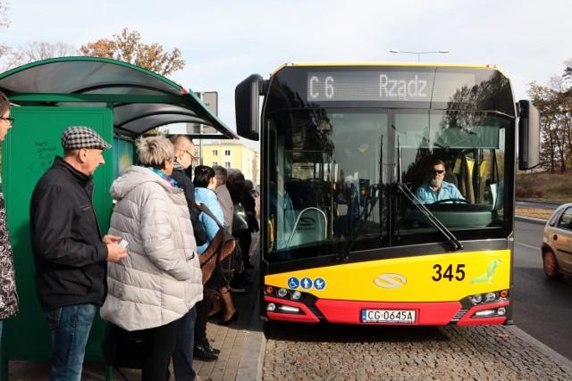 """W weekend 24-25 października w Grudziądzu kursować będą dwie linie autobusów """"C"""". 31 października i 1 listopada uruchomionych zostanie 7 dodatkowych linii"""