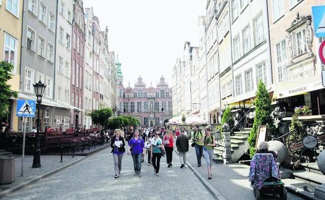 Od 2008 roku w sezonie letnim ulica Piwna zamienia się w deptak