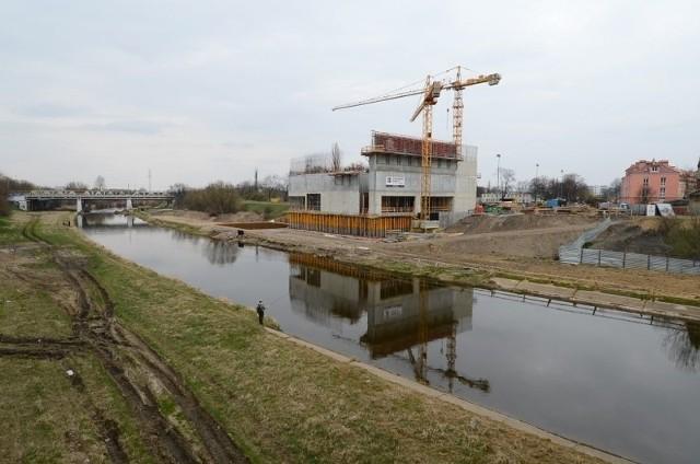 Budowa ICHOT-u znowu została wstrzymana.