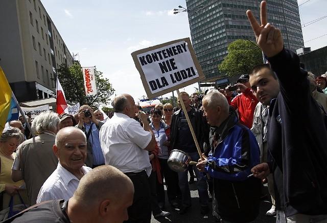 Marsz Pustych Garnków zorganizowała grupa NIC O NAS BEZ NAS