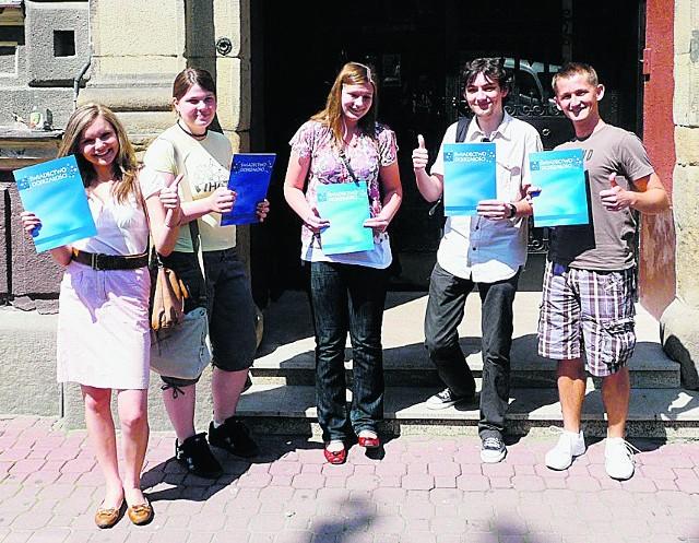 Kasia, Anita, Madzia, Daniel i Filip z I LO są zadowoleni z matur